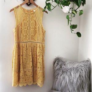 NWT GOLDEN yellow lace boho dress💛